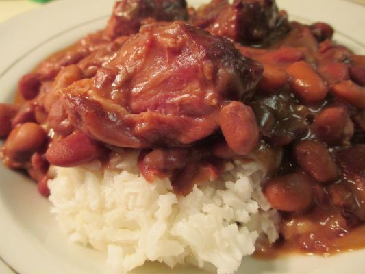 Slow Cooked Beans and Smoked Hamhocks