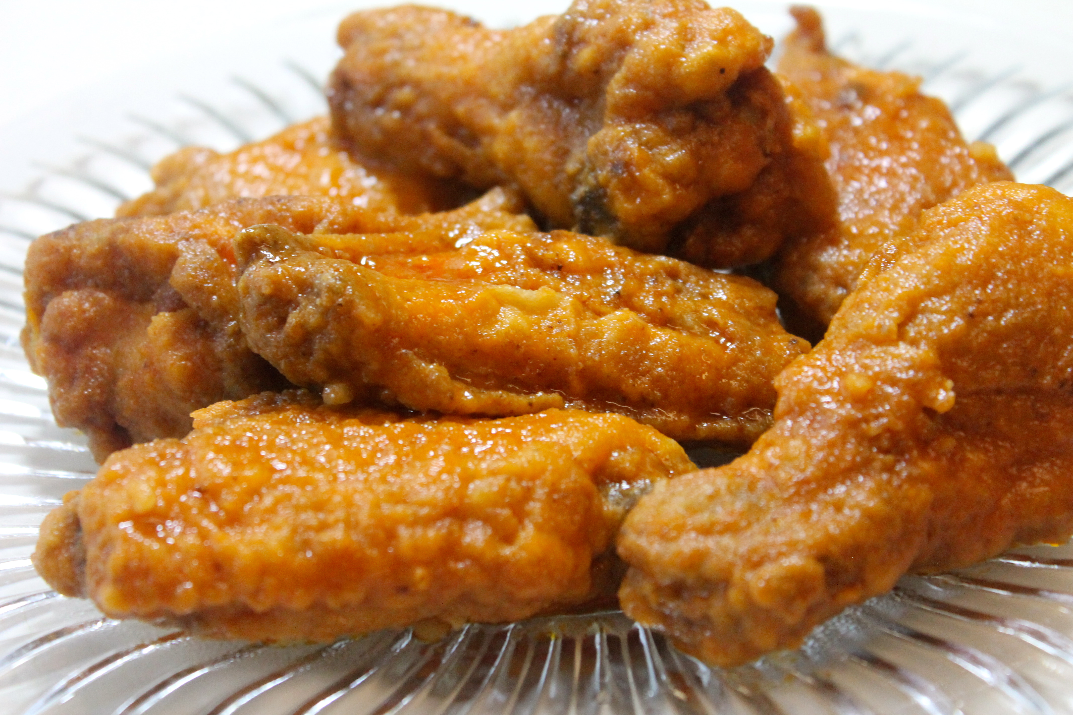 Hot wings recipe i heart recipes restaurant quality hot wings for the fraction on the price forumfinder Choice Image