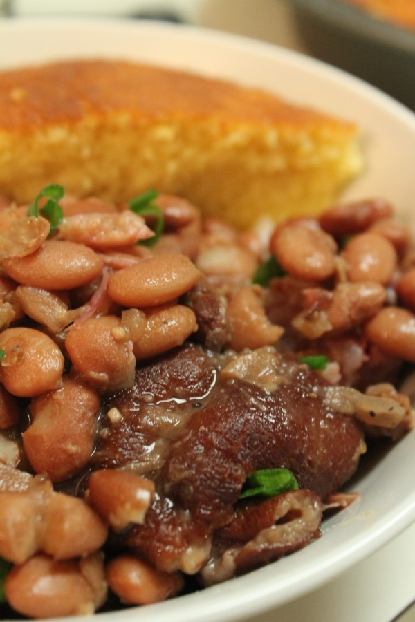 Southern Pinto Beans And Ham Hocks Made In The Crock Pot I Heart Recipes