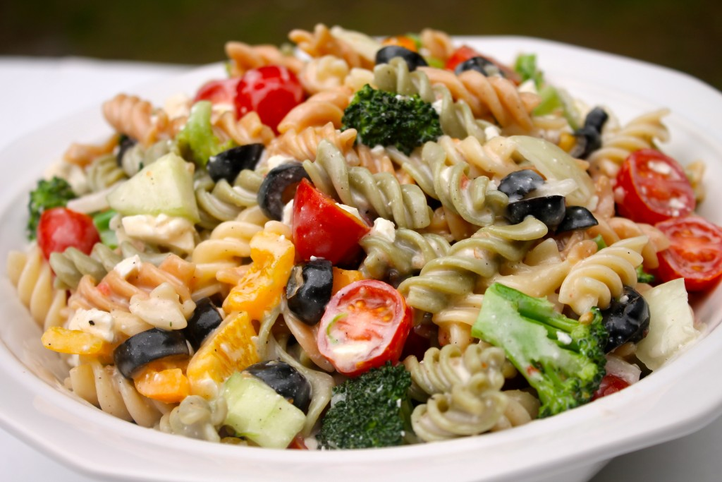 How to make the BEST Creamy Italian Pasta Salad for your next cookout!