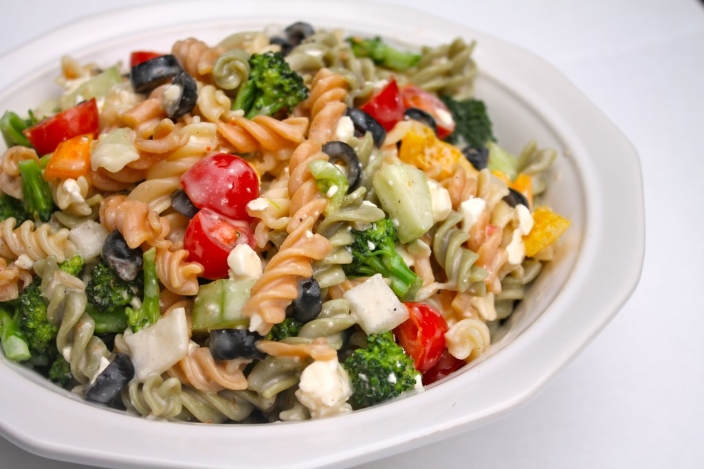 This Best Creamy Italian Pasta Salad is a kaleidoscope of colors and flavor!