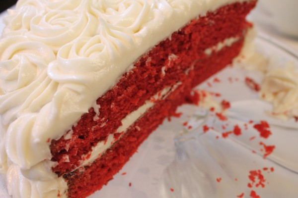 Fluffy and moist red velvet cake recipe with cream cheese frosting