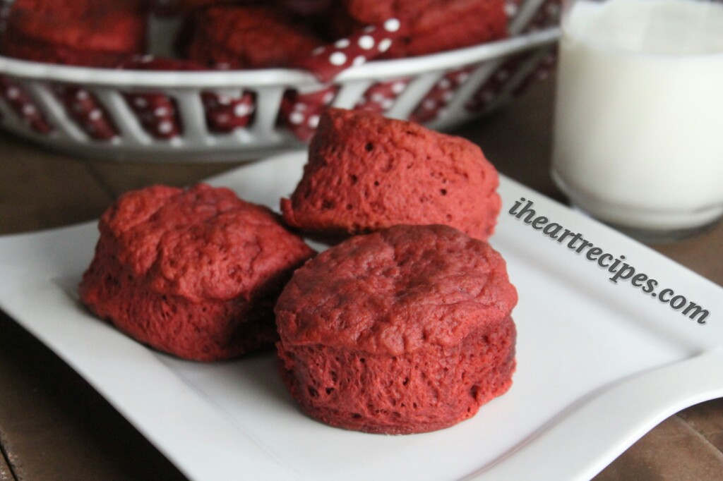These slightly sweet Red Velvet Biscuit are perfect for the Christmas season