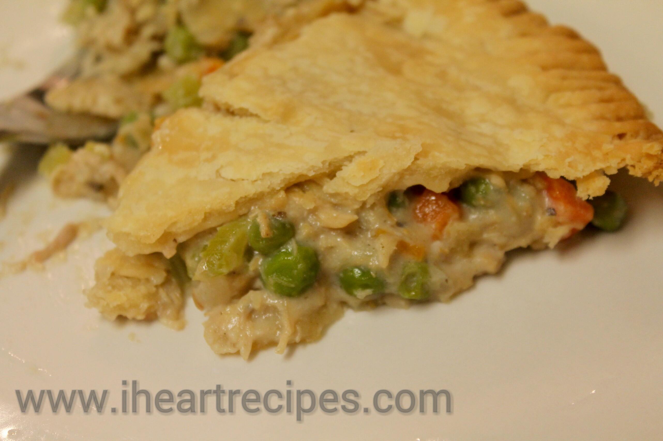 Easy Chicken Pot Pie | I Heart Recipes