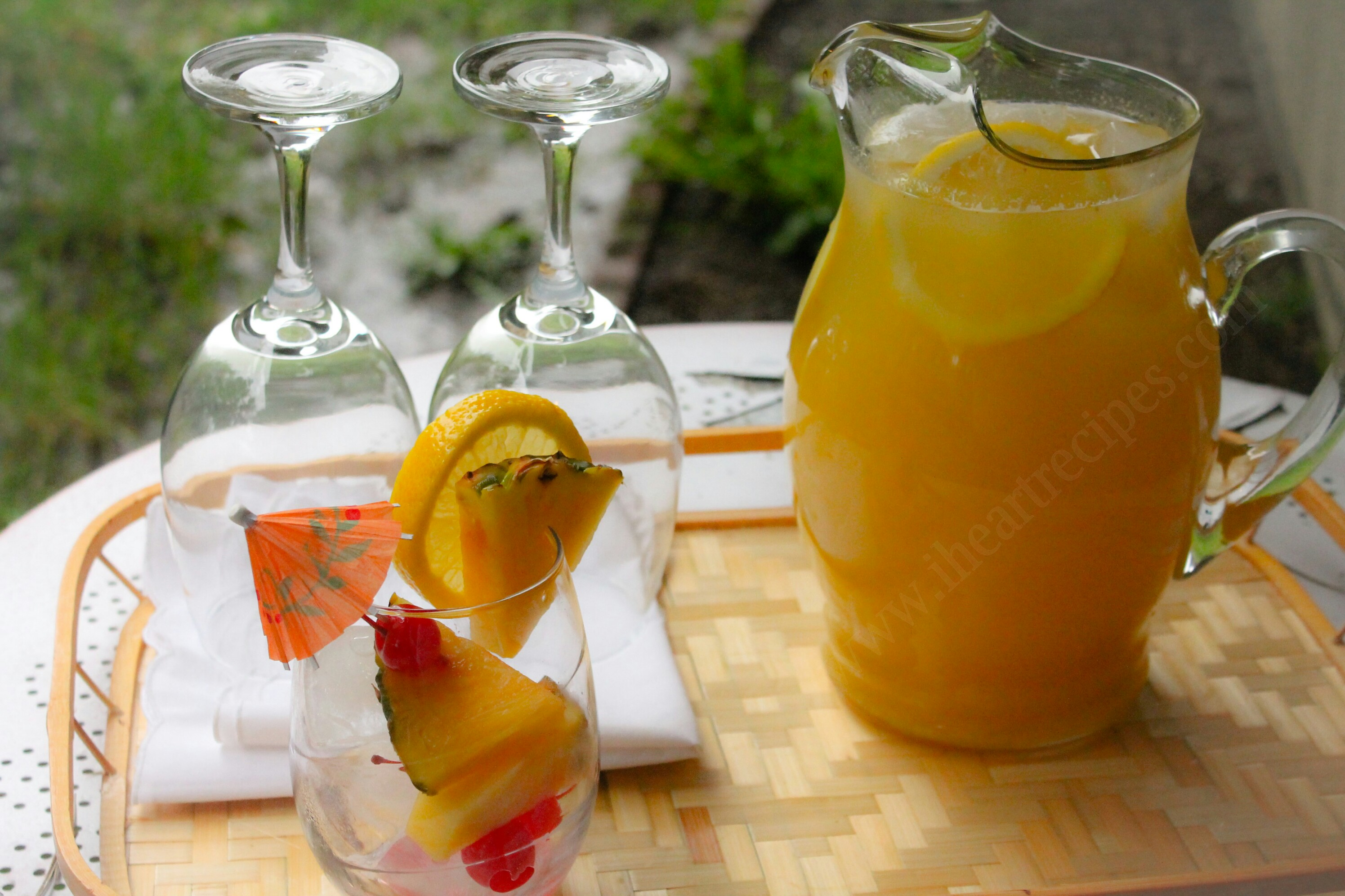 Fresh Homemade Mango Pineapple Lemonade | I Heart Recipes