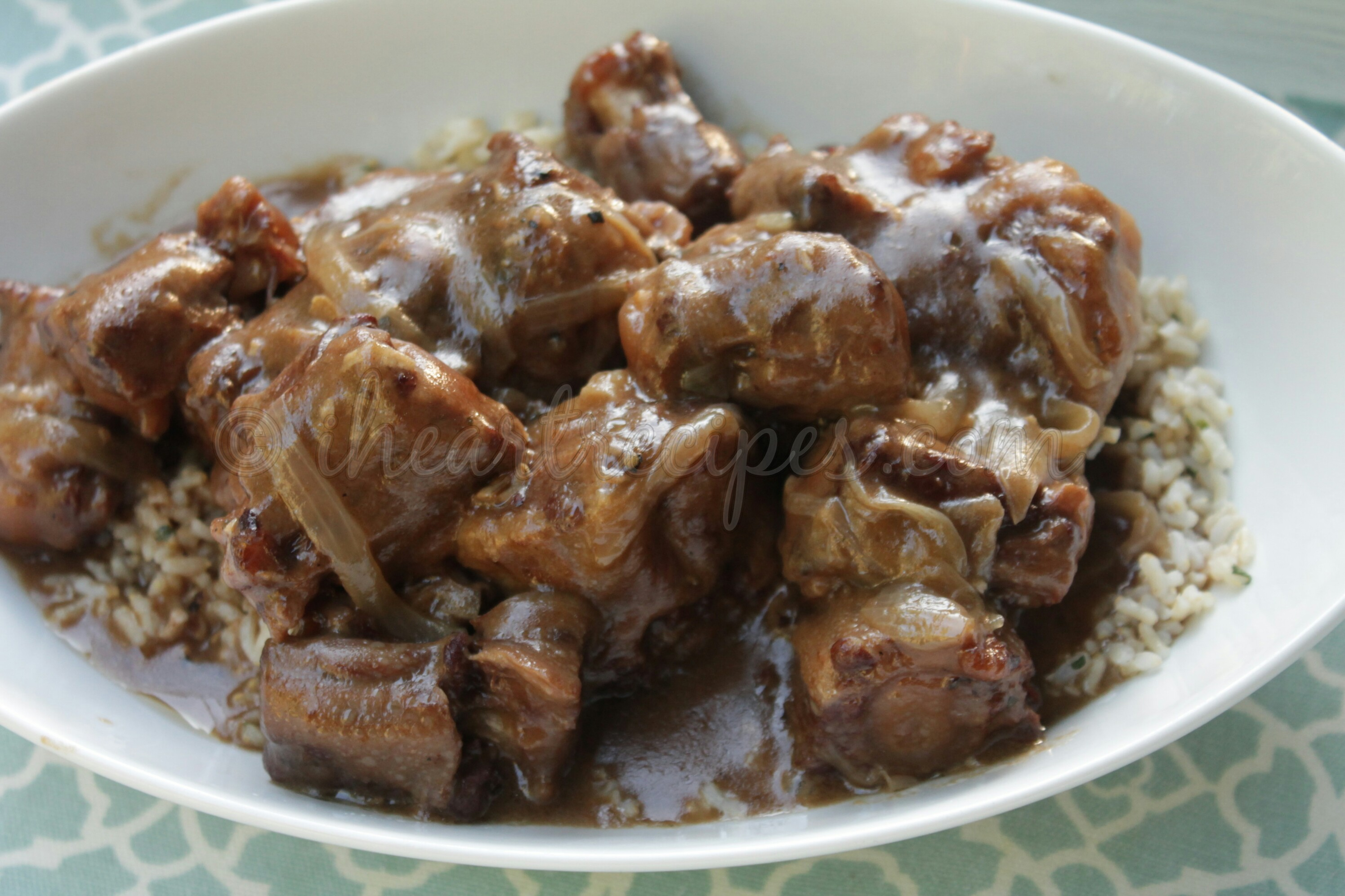 The oxtails and the sauce are perfect over rice or potatoes.
