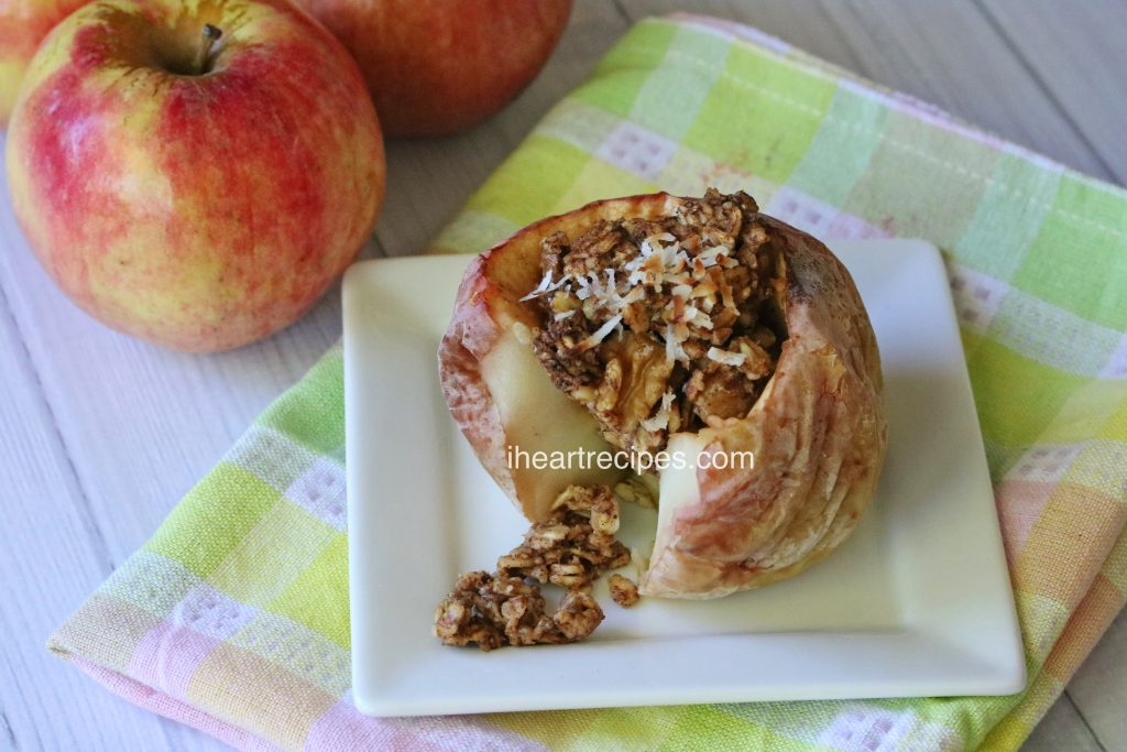 Baked Apples Stuffed with Oatmeal | I Heart Recipes