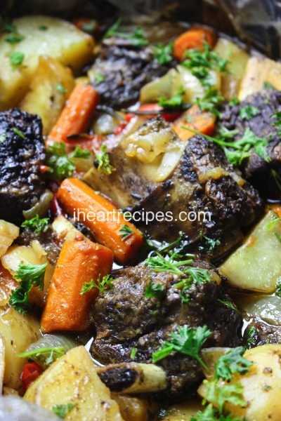 Easy Slow Cooker Short Ribs Recipe
