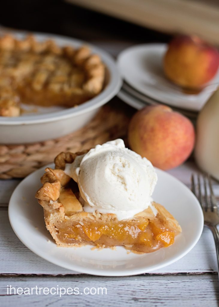Delicious peach pie a la mode