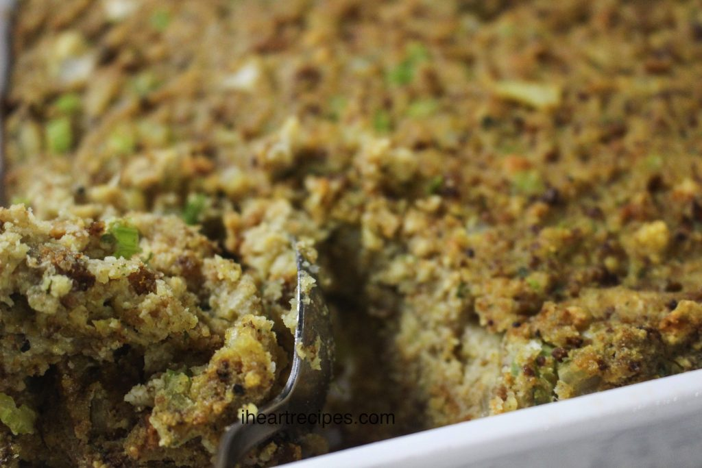 Soul Food Cornbread Dressing